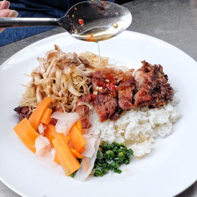 4 quán ăn núp hẻm có tuổi đời sương sương vài thập kỷ ở Sài Gòn: Ngon nức tiếng và chưa khi nào ngơi khách - Ảnh 12.