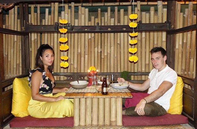 Cô gái gốc Việt kể chuyện tình 9 năm với Hoàng tử Monaco, hé lộ bí quyết làm dâu Hoàng gia - Ảnh 11.