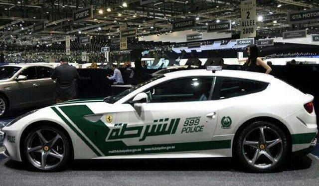 Đã mắt ngắm dàn siêu xe tuần tra của cảnh sát xứ Dubai: Toàn những cái tên đắt đỏ, tốc độ đỉnh cao đến mức tội phạm cũng khó mà chạy thoát - Ảnh 4.