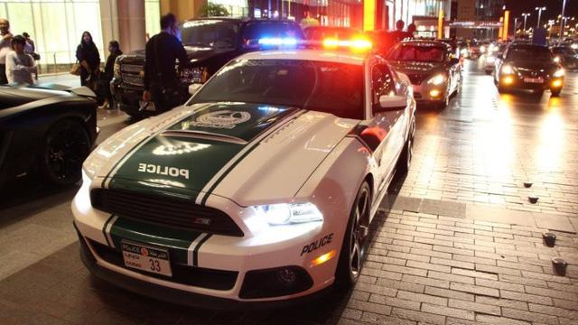 Đã mắt ngắm dàn siêu xe tuần tra của cảnh sát xứ Dubai: Toàn những cái tên đắt đỏ, tốc độ đỉnh cao đến mức tội phạm cũng khó mà chạy thoát - Ảnh 6.