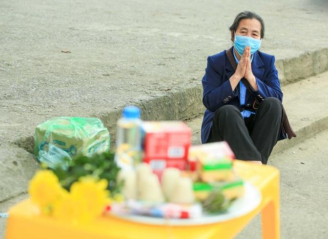 CLIP: Người dân chùa Hương tất bật chờ đón khách thập phương  - Ảnh 16.