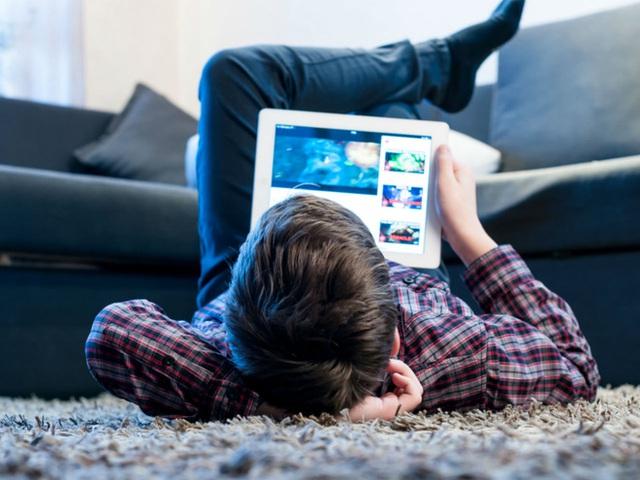 TS giáo dục Mỹ cảnh báo trẻ tổn thương não vì mặt tối tại chính nơi bố mẹ nghĩ là an toàn - Ảnh 3.