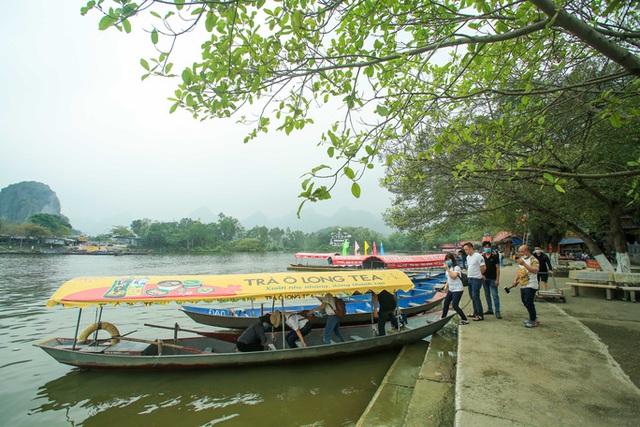 CLIP: Người dân chùa Hương tất bật chờ đón khách thập phương  - Ảnh 10.
