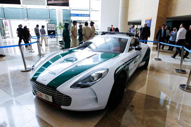 Đã mắt ngắm dàn siêu xe tuần tra của cảnh sát xứ Dubai: Toàn những cái tên đắt đỏ, tốc độ đỉnh cao đến mức tội phạm cũng khó mà chạy thoát - Ảnh 10.