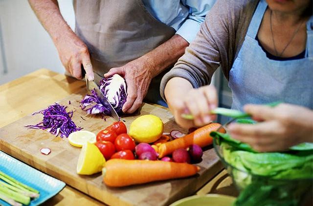 3 loại thực phẩm các bác sĩ nhãn khoa luôn muốn mọi người tiêu thụ để có sức khỏe mắt tốt - Ảnh 1.