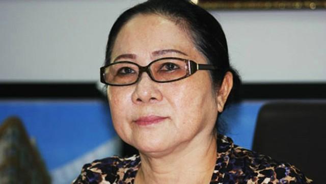 Ông Nguyễn Thành Tài hầu tòa cùng bà Dương Thị Bạch Diệp trong một vụ án chiếm đất công - Ảnh 1.