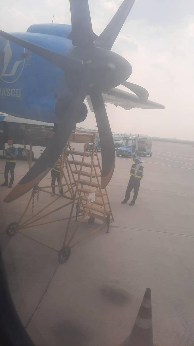 Chuyến bay từ TP HCM đi Côn Đảo phải quay về vì máy bay có khói  - Ảnh 3.