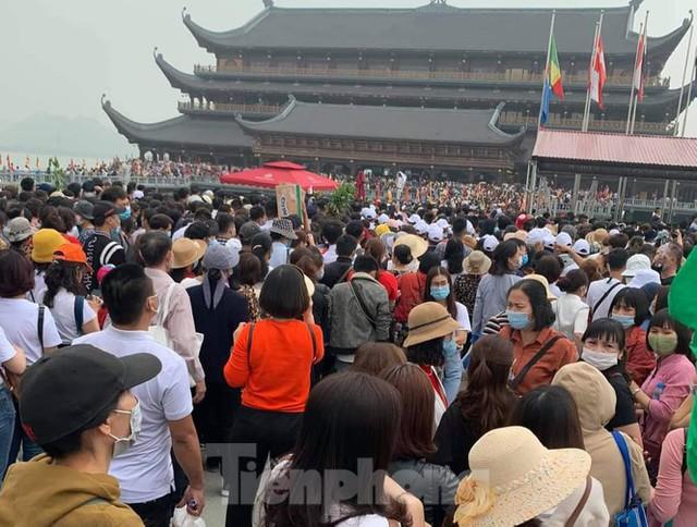 Hà Nam kiểm tra công tác phòng chống dịch COVID -19 ở chùa Tam Chúc - Ảnh 1.