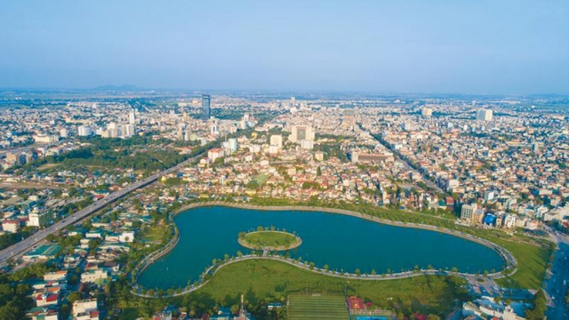 Đầu tư hơn 63.000 tỷ đồng, Thanh Hoá phấn đấu đưa du lịch thành ngành kinh tế mũi nhọn - Ảnh 1.