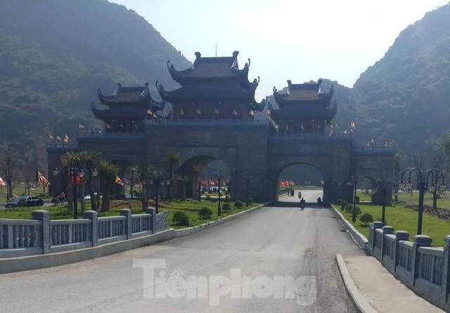 Hà Nam kiểm tra công tác phòng chống dịch COVID -19 ở chùa Tam Chúc - Ảnh 4.