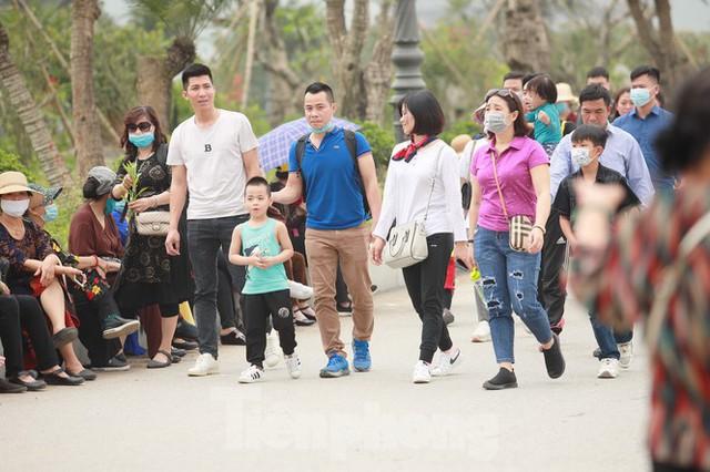 Hà Nam kiểm tra công tác phòng chống dịch COVID -19 ở chùa Tam Chúc - Ảnh 6.