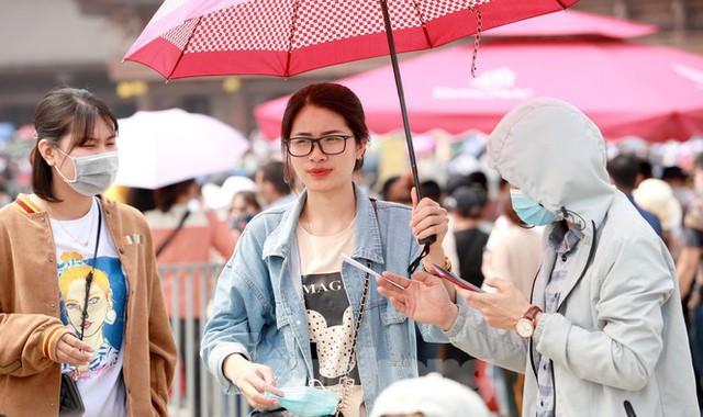 Hà Nam kiểm tra công tác phòng chống dịch COVID -19 ở chùa Tam Chúc - Ảnh 7.