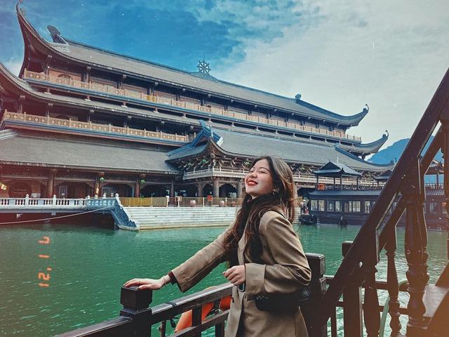Kinh nghiệm đi chùa Tam Chúc để không bị đông nghẹt người mà lại ngắm được cảnh đẹp - Ảnh 2.