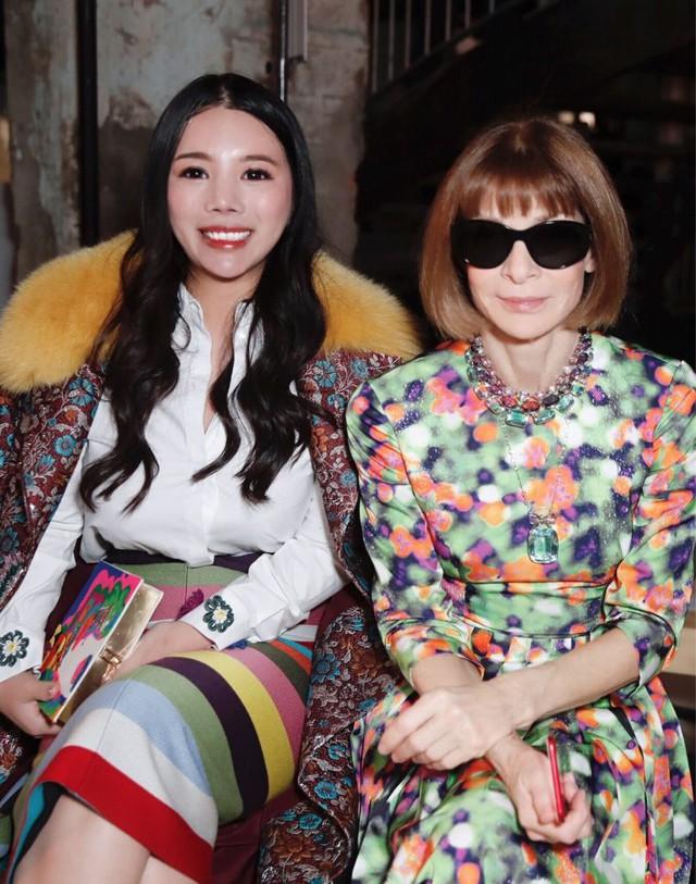 """Ái nữ của ông hoàng cửa gỗ châu Á: Phú nhị đại phá vỡ các quy tắc, """"người quyền lực của giới thời trang"""" với kho hàng hiệu khổng lồ ai cũng choáng ngợp - Ảnh 4."""