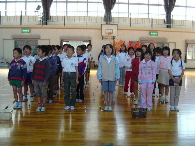 Trường học ở Mỹ bỏ qua nhưng Nhật Bản lại cực chú trọng nữ công gia chánh: Giúp thúc đẩy bình đẳng giới và rèn khả năng tự lập ở con trẻ! - Ảnh 4.