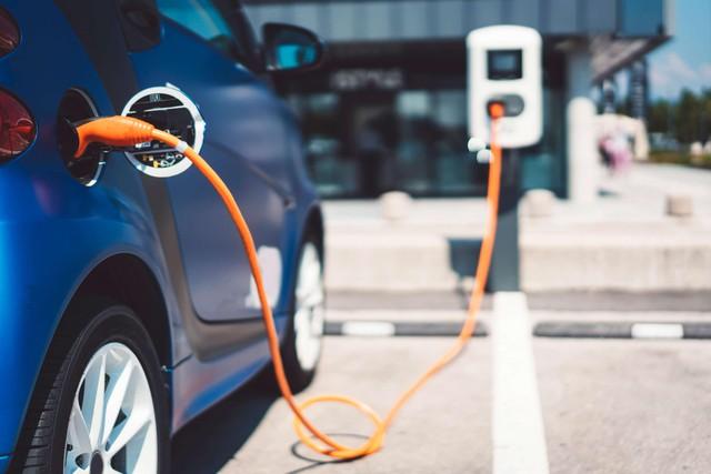 Châu Âu: Trở thành thị trường xe điện lớn nhất thế giới nhưng liệu có thực sự bền vững? - Ảnh 2.
