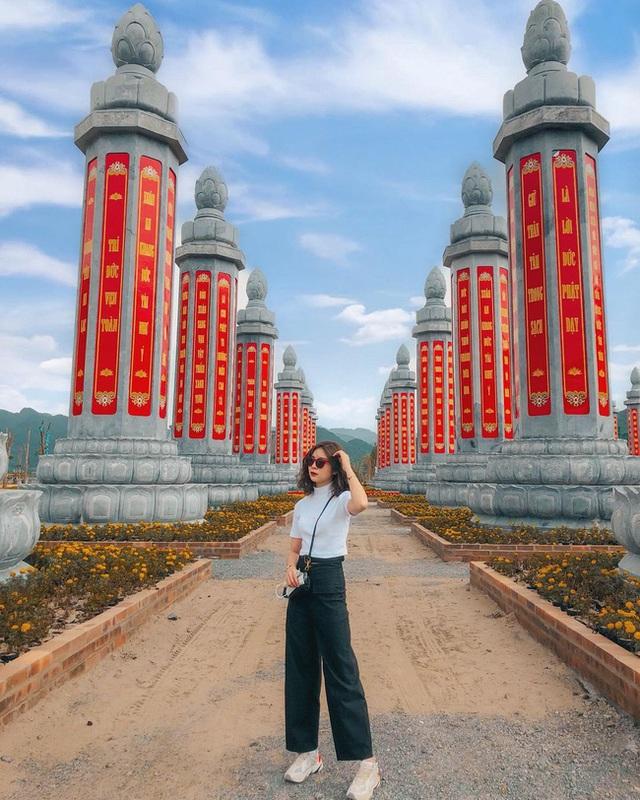 Kinh nghiệm đi chùa Tam Chúc để không bị đông nghẹt người mà lại ngắm được cảnh đẹp - Ảnh 5.