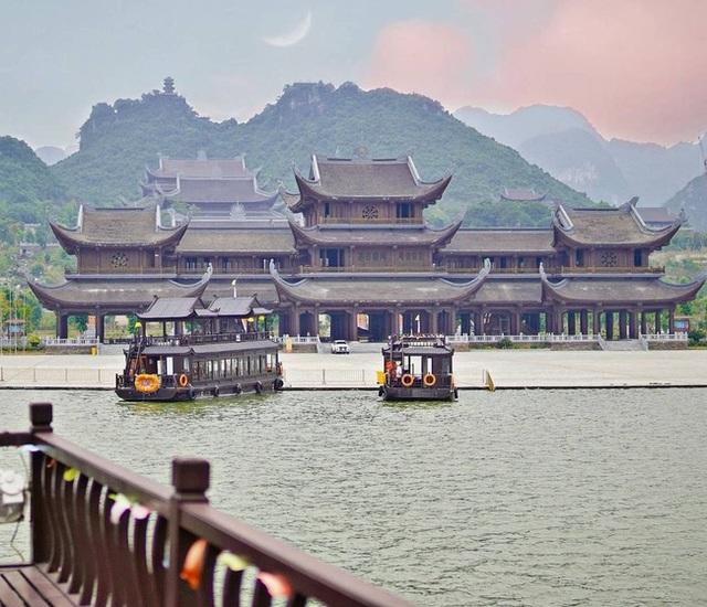 Kinh nghiệm đi chùa Tam Chúc để không bị đông nghẹt người mà lại ngắm được cảnh đẹp - Ảnh 9.
