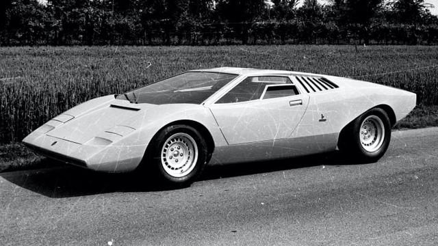 Huyền thoại Lamborghini Countach tròn 50 tuổi - Siêu xe được dán đầu giường của tín đồ siêu bò - Ảnh 3.
