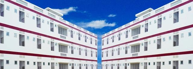Nhìn qua tưởng khu du lịch nhưng hóa ra là... một trường đại học của Việt Nam: Toàn lâu đài trắng như bên trời Âu, bên trong có hẳn công viên giải trí cực hoàng tráng - Ảnh 7.