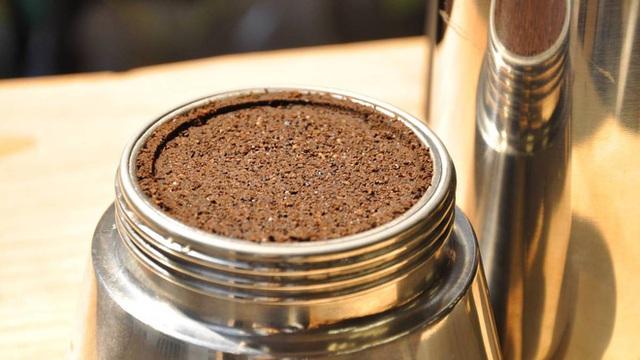 Các nhà khoa học khẳng định: Bã cà phê là một bảo bối, đừng bỏ lỡ 7 cách dùng hữu ích - Ảnh 4.