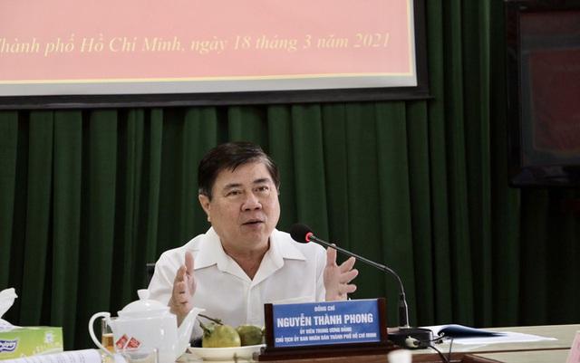 Chủ tịch Nguyễn Thành Phong: Tôi rất buồn mỗi khi cán bộ nộp đơn xin nghỉ  - Ảnh 2.