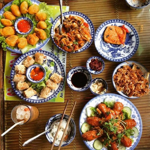 Các điểm đến có nền ẩm thực đặc sắc nhất Việt Nam: Hà Nội và Sài Gòn lọt top, loạt vùng biển cũng được kể tên - Ảnh 12.