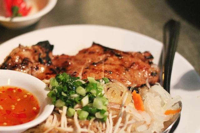 Các điểm đến có nền ẩm thực đặc sắc nhất Việt Nam: Hà Nội và Sài Gòn lọt top, loạt vùng biển cũng được kể tên - Ảnh 3.