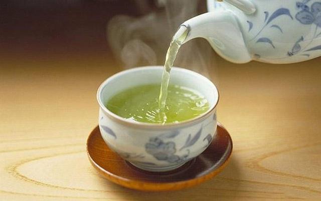 Trà xanh là thần dược trị lão hóa, ngừa ung thư nhưng có 5 dấu hiệu sau thì ngưng uống gấp kẻo ôm bệnh - Ảnh 3.