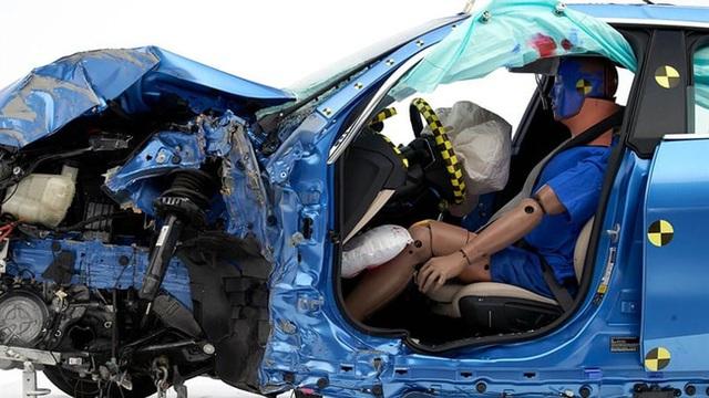 So với nam giới, phụ nữ có nguy cơ thương vong khi gặp tai nạn xe hơi cao hơn tới 73% - Ảnh 4.