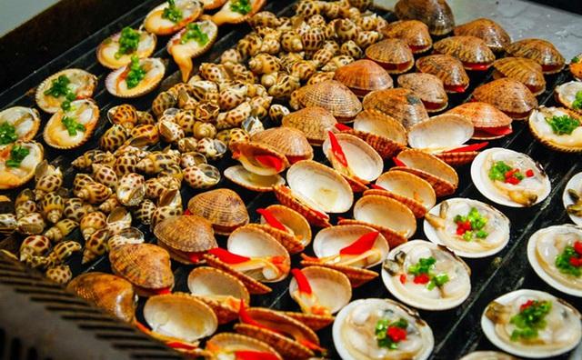 Các điểm đến có nền ẩm thực đặc sắc nhất Việt Nam: Hà Nội và Sài Gòn lọt top, loạt vùng biển cũng được kể tên - Ảnh 5.
