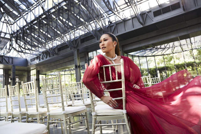 """Ái nữ thừa kế tập đoàn """"gã khổng lồ"""" Thái Lan: Từng được mệnh danh là Paris Hilton của xứ sở chùa Vàng, 30 tuổi """"quay đầu là bờ"""" xây dựng đế chế của gia đình - Ảnh 2."""