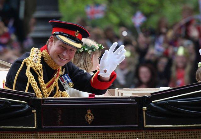 Nhìn lại loạt khoảnh khắc khó quên của Hoàng tử Harry thời còn là đứa cháu cưng của gia tộc và là niềm tự hào của Nữ hoàng Anh - Ảnh 14.