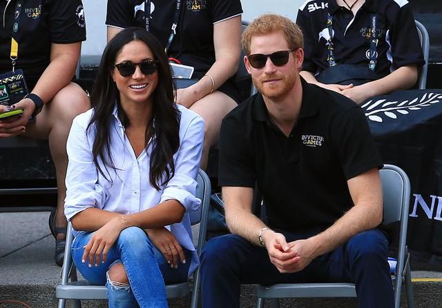 Nhìn lại loạt khoảnh khắc khó quên của Hoàng tử Harry thời còn là đứa cháu cưng của gia tộc và là niềm tự hào của Nữ hoàng Anh - Ảnh 20.