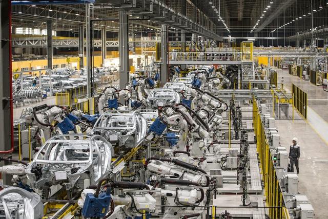 Vì sao VinFast lên kế hoạch mở nhà máy ở thị trường cạnh tranh nhất thế giới về xe điện với những gã khổng lồ như Tesla, BYD? - Ảnh 3.