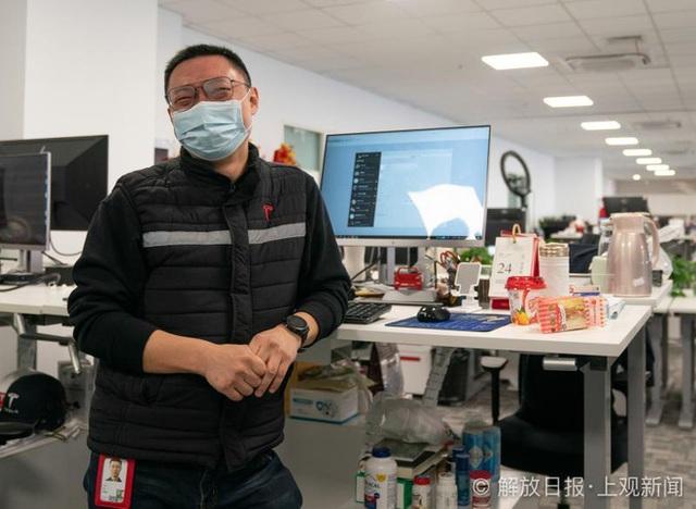 Bên trong siêu nhà máy Tesla Thượng Hải: Chủ tịch ngồi cạnh dây chuyền sản xuất, mọi thứ tự động hóa tối đa, dấu vết từng con ốc đều có thể truy xuất - Ảnh 1.