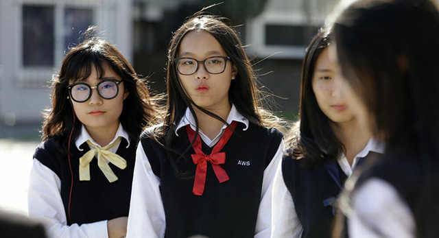 Có 1 quốc gia không cho học sinh nữ theo học một số trường hoặc theo đuổi một số ngành nghề, nguyên nhân chỉ vì điều này - Ảnh 1.