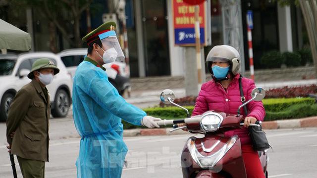 Toàn cảnh TP Chí Linh trước giờ gỡ phong tỏa - Ảnh 6.