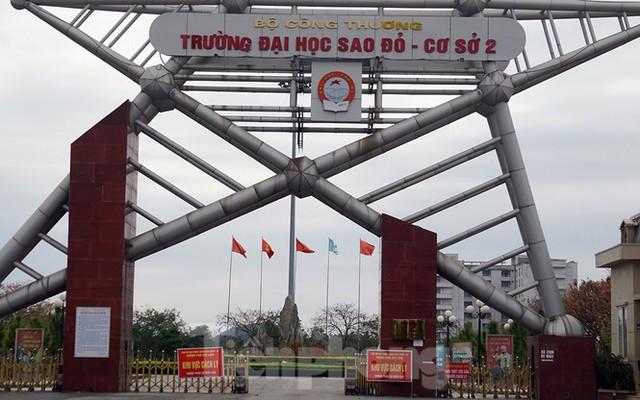Toàn cảnh TP Chí Linh trước giờ gỡ phong tỏa - Ảnh 10.