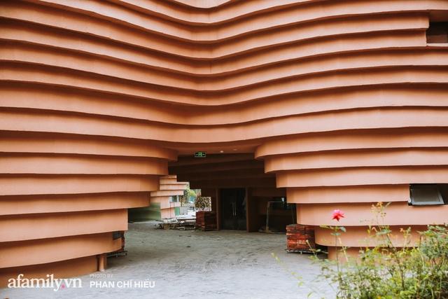 Làng cổ Bát Tràng xuất hiện công trình cực hấp dẫn giống những chiếc bàn xoay khổng lồ, chuẩn bị trở thành điểm du lịch siêu hot vào mùa Hè này - Ảnh 6.