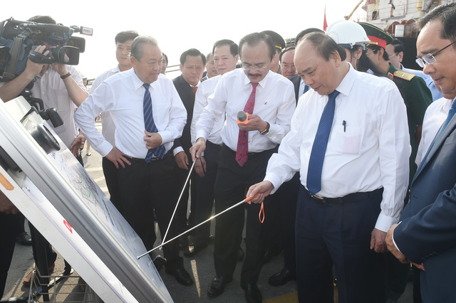 Thủ tướng khảo sát nhà máy điện LNG 3 tỷ USD tại Long An - Ảnh 1.