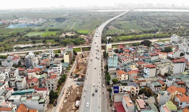 CLIP: Hàng trăm công nhân hối hả xây cầu Vĩnh Tuy 2 mức đầu tư 2.538 tỉ đồng  - Ảnh 2.
