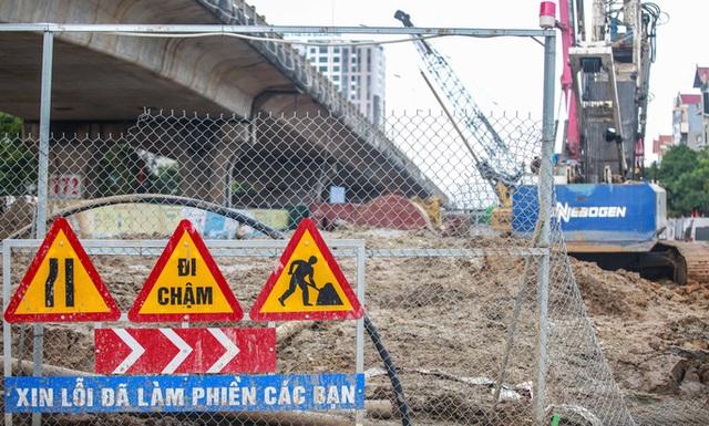 CLIP: Hàng trăm công nhân hối hả xây cầu Vĩnh Tuy 2 mức đầu tư 2.538 tỉ đồng  - Ảnh 14.