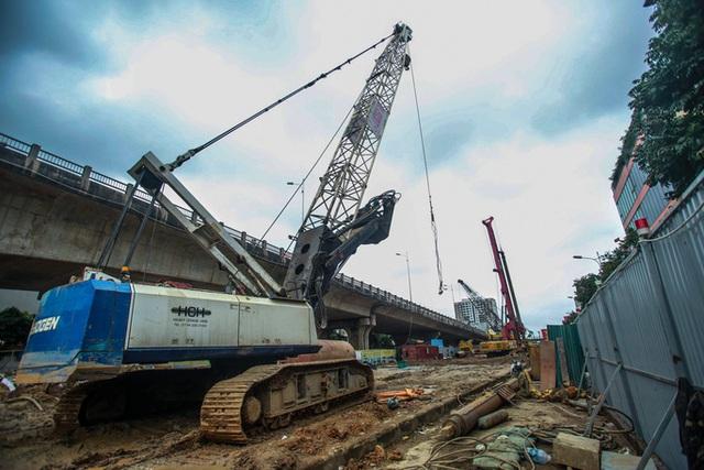 CLIP: Hàng trăm công nhân hối hả xây cầu Vĩnh Tuy 2 mức đầu tư 2.538 tỉ đồng  - Ảnh 15.