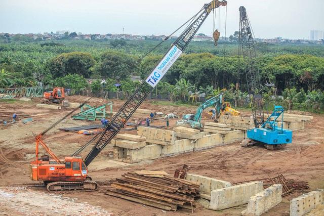 CLIP: Hàng trăm công nhân hối hả xây cầu Vĩnh Tuy 2 mức đầu tư 2.538 tỉ đồng  - Ảnh 10.