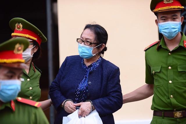 Đại gia Dương Thị Bạch Diệp bị đề nghị mức án chung thân - Ảnh 1.