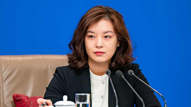 Nữ phiên dịch Trung Quốc xinh đẹp gây bão MXH: 8 năm trước từng dậy sóng vì giống Triệu Vy và những thành tích khiến ai cũng nể phục - Ảnh 9.
