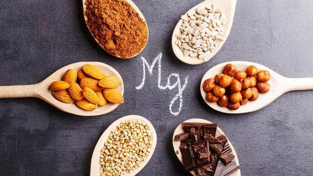 Phụ nữ trên 40 tuổi cần có 8 loại vitamin để trẻ khỏe, dẻo dai: Tiết lộ nguồn thực phẩm bổ sung tốt nhất - Ảnh 4.
