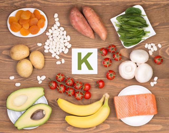 Phụ nữ trên 40 tuổi cần có 8 loại vitamin để trẻ khỏe, dẻo dai: Tiết lộ nguồn thực phẩm bổ sung tốt nhất - Ảnh 5.