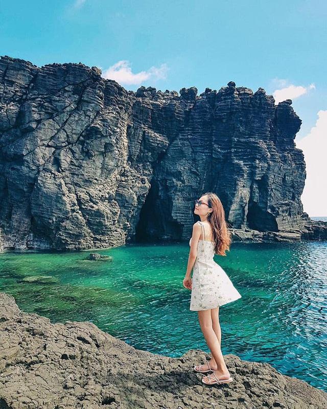 Lộ diện thêm 1 hồ bơi giữa biển đẹp xuất sắc ở Việt Nam, đến cả dân du lịch lâu năm cũng chưa chắc biết - Ảnh 7.